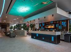 bar de salon moderne soleil pool bar rydges hotel modern home bar