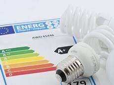 wie kann energie sparen energie sparen tipps zum senken der energiekosten