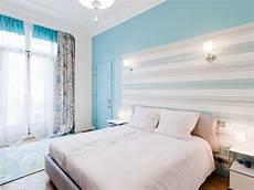 tete de lit bois peint le papier peint remplace les t 234 tes de lits pink tink wink
