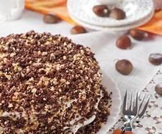 torta con ferrero rocher sbriciolati torta ferrero rocher ricetta del goloso dolce con nutella e nocciole