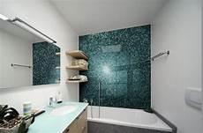 Badezimmer Wand Statt Fliesen - glas statt fliesen im bad pflegeleicht und dekorativ