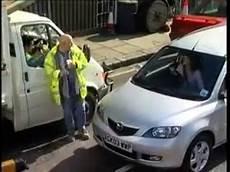 donna al volante pericolo costante donna al volante pericolo costante
