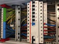 schlafzimmer stromlos schalten ist die verdrahtung im schaltschrank zul 228 ssig elektrik