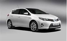 Toyota Auris Hybrid 2013 Widescreen Car Picture 07