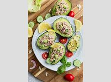 delicious chicken avocado salad sandwiches_image