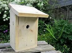 fabriquer un nichoir pour oiseaux fabriquer un nichoir 224 m 233 sanges au 303 home deco