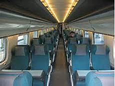carrozza ferroviaria l interno di una moderna vettura etr 470 cisalpino per l