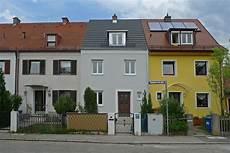 Reihenhaus Kleinhadern Wohnhaus Baustelle Fassade Neu