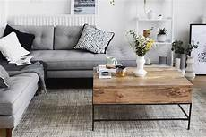 Wohnzimmer Ideen Holz - stylish monochrome and grey living room inspiration with