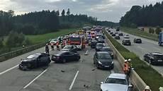 Unfall A8 Gestern - massenkarambolage unfall bei unwetter auf a8 bei