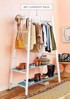 garderobe aus leitern book diy garment rack diy kleiderschrank