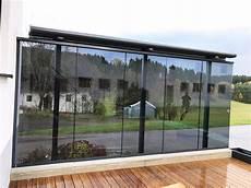 schiebeelemente für terrassen windschutz f 252 r terrasse transparent mit glasschiebet 252 ren
