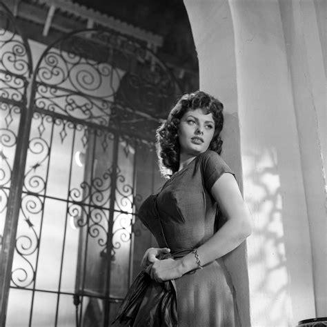 Sophia Loren Measurements