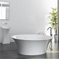 freistehende badewanne an die wand stellen freistehende badewannen aus mineralguss optirelax