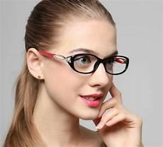 Brillenmode 2017 Damen - trendy brillen als modisches accessoire archzine net