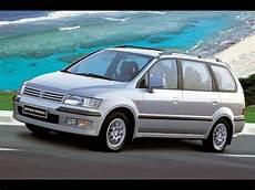 ca 231 ador de carros mitsubishi space wagon em detalhes