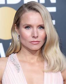 kristen bell kristen bell 2019 golden globe awards red carpet