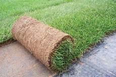 tappeto erboso sintetico prezzi prato a rotoli commercializzato da green plastic service