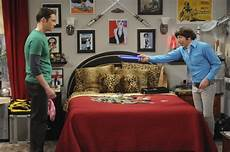 the big bang theory lightsabers over howard s bed