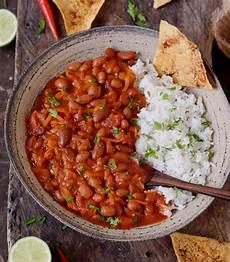 Vegan Chili Recipe With Beans Chili Carne Elavegan