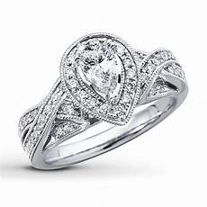 pear shaped vintage style engagment ring pear shaped engagement rings engagement ring shapes
