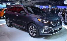2019 kia sorento a facelift a revised cockpit and a