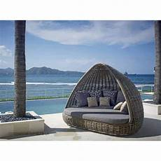 Skyline Design Rattan Shade Daybed