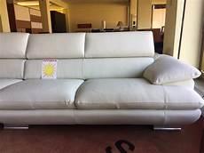 divani calia italia prezzi divano outlet calia magic pelle divani a prezzi scontati