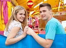 30 fragen die ihr euch beim ersten date stellen k 246 nnt