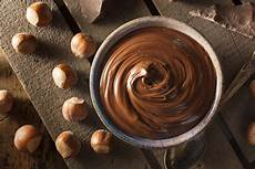 ricetta crema pasticcera alla nocciola crema pasticcera alla nocciola la ricetta completa donnad