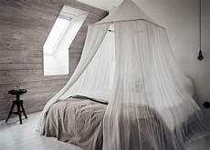 come fare un letto a baldacchino baldacchino fai da te 20 idee per un letto chic