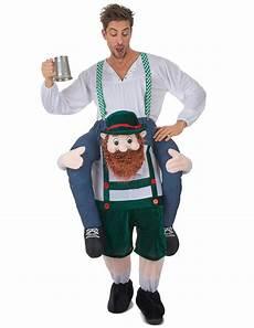 costume uomo sulle spalle di un bavarese carry me costumi