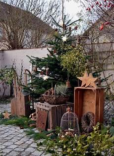 Garten Weihnachtlich Dekorieren - hof 9 schneezauber im innenhof weihnachtsgarten