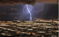 hd mighty lightning over a city wallpaper download free 59837