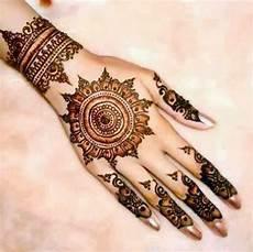 Ide Desain Gambar Tato Henna Keren Untuk Cewek Gambar