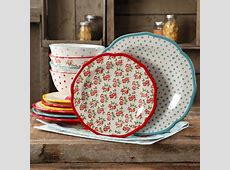 The Pioneer Woman Timeless Floral and Retro Dot Mix and
