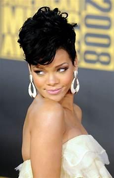 Rihannas Hairstyle