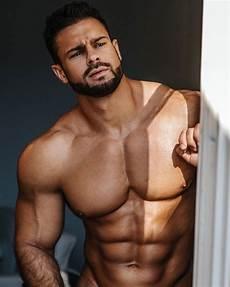 top male models 2020 take a peek on the 2020 calendar of hot model konstantin kamynin top mod 232 les et pectoraux