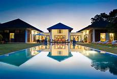 bali rich luxury villas wotif nz hotels get paid 10 000 a month to travel and stay in luxury
