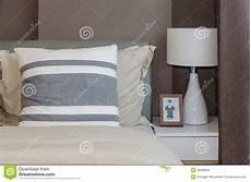 carta da parati da letto moderna da letto moderna con la carta da parati marrone a