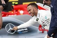 lewis hamilton signs new mercedes contract for 2019 and