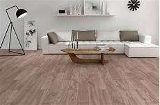 pavimenti in ceramica finto legno le piastrelle finto legno ristruttura interni