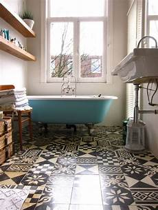 motiv fliesen badezimmer fliesen puzzle badezimmer ideen schwarz wei 223 florale