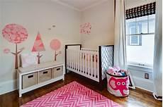 wandgestaltung babyzimmer mädchen babyzimmer einrichten 50 s 252 223 e ideen f 252 r m 228 dchen