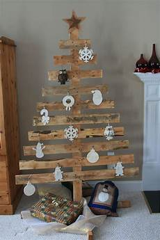tree made out of pallets weihnachtsdeko holz