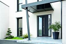 avant toit porte d entrée une entr 233 e soign 233 e avec une porte d entr 233 e en aluminium