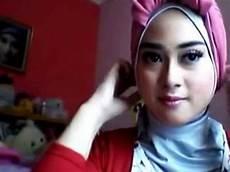 Cara Memakai Jilbab Segi Empat Modern Yang Simple Ala
