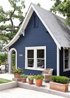 navy blue exterior house paint color navy blue exterior house paint color design ideas and photos 35 beautiful navy blue and white ideas for home exterior