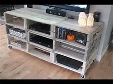 tv bank paletten tv tisch aus europaletten tv tisch selber bauen