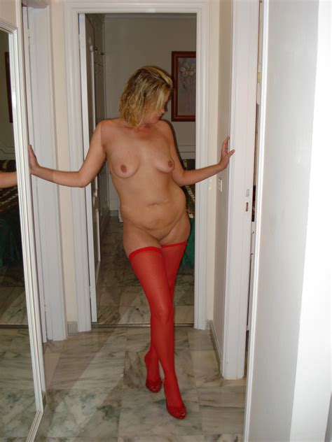 Amateur Wife In Pantyhose